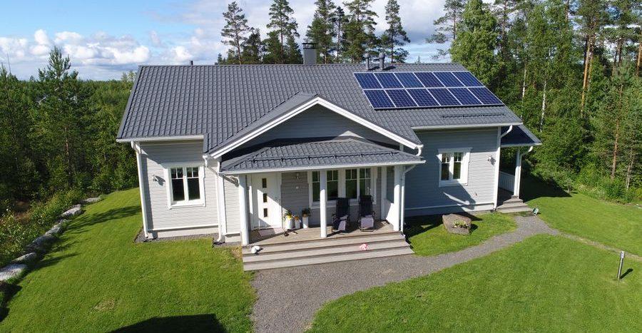 aurinkopaneelit kotiin