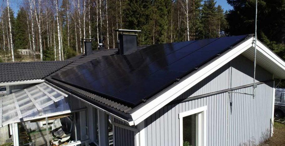 Mustat aurinkopaneelit eivät herätä huomiota